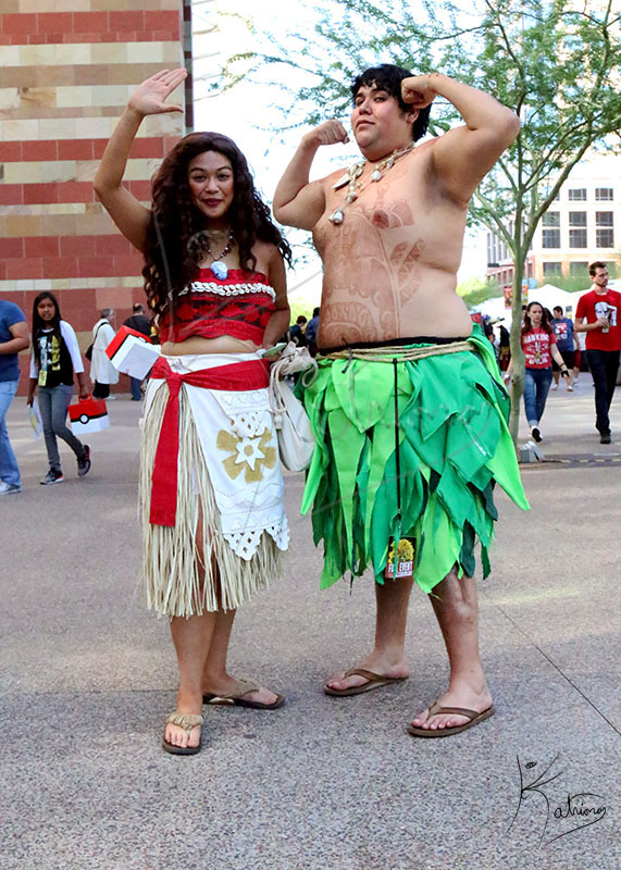 Moana and Maui at Phoenix Comicon